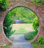 Great Comp Garden in the Round